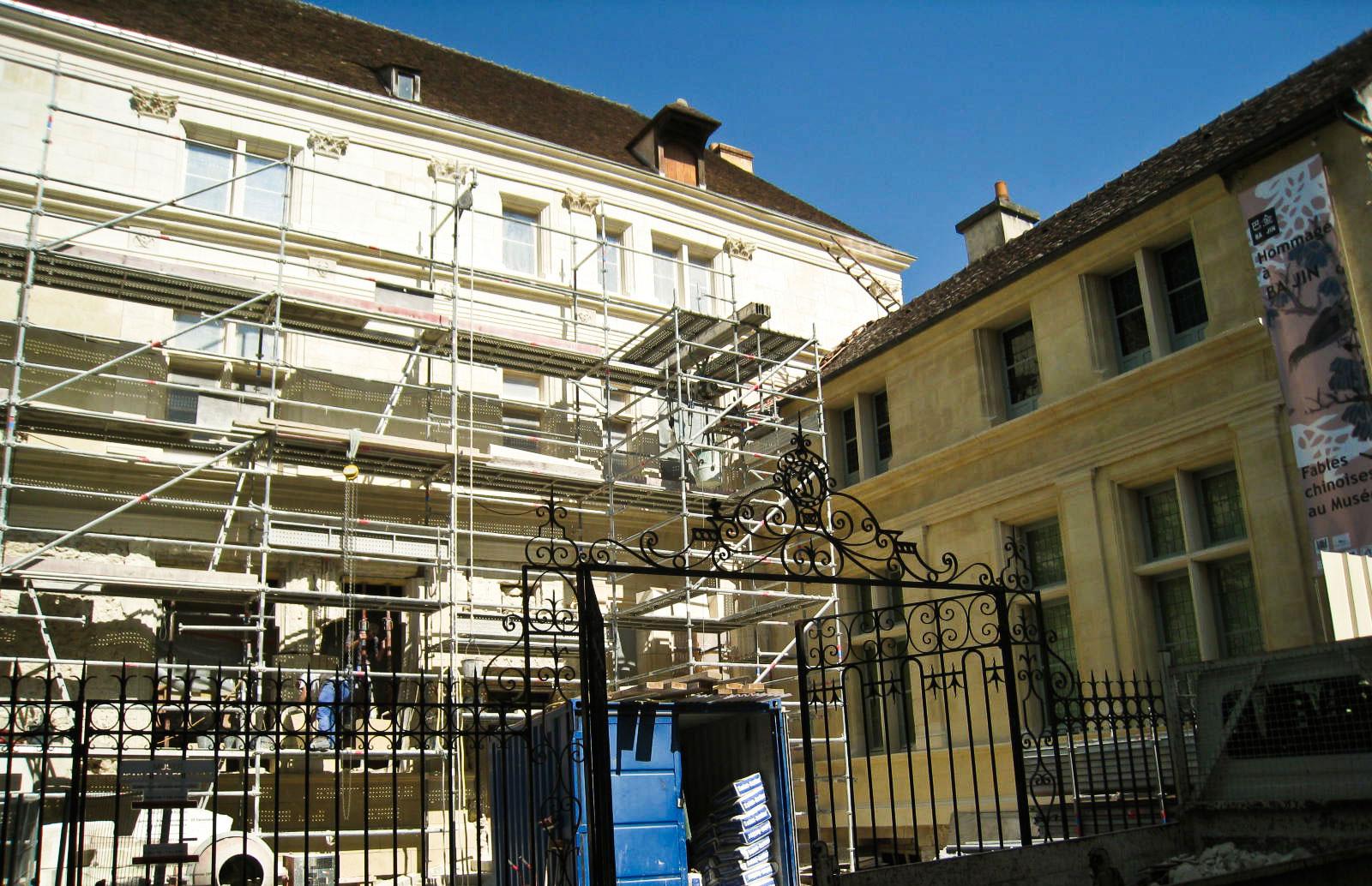 Le voile est lev la restauration est visible for Restauration facade maison