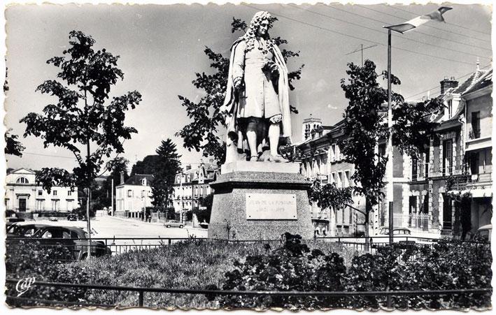 Les emplacements de la statue de jean de la fontaine à ch teau
